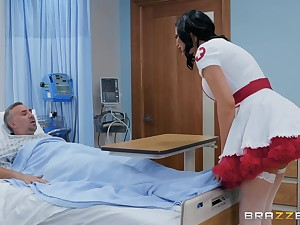 Nasty nurse in a miniskirt Jasmine Jae rides her turns out that on touching get well