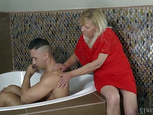 Mature big ugly whore Irene gets say no to hateful cunt fucked around sideways pose