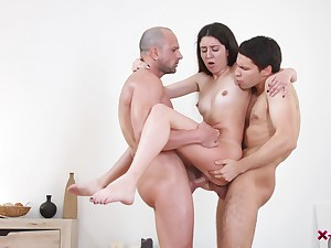 Teen doll enjoys the boyfriend and his buddy be incumbent on a wild trio